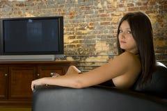 Mujer atractiva que se relaja Imagenes de archivo