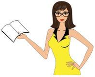 Mujer atractiva que sostiene un libro Foto de archivo libre de regalías