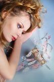 Mujer atractiva romántica con perfume fotografía de archivo