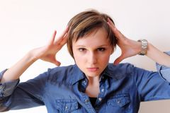 Mujer bajo tensión. Porciones de copyspace imagen de archivo libre de regalías
