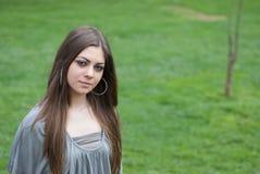 Mujer bastante joven con el pelo largo del bronde Fotografía de archivo libre de regalías