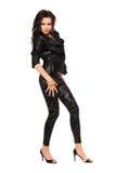 Mujer bastante joven en ropa negra fotografía de archivo