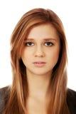 Mujer bonita adolescente triste o preocupante Fotos de archivo libres de regalías