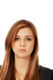 Mujer bonita adolescente triste o preocupante Imagenes de archivo