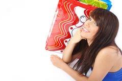 Mujer bonita con el bolso de compras imagen de archivo