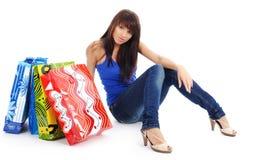 Mujer bonita con el bolso de compras fotos de archivo libres de regalías