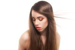 Mujer bonita con los pelos marrones largos hermosos Foto de archivo