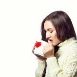 Mujer bonita joven con la taza de té Imagen de archivo