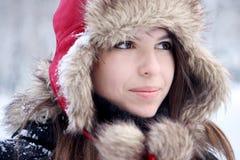 Mujer bonita joven que mira lejos Imagen de archivo
