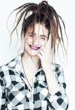 Mujer caucásica real con el peinado fa alegre divertido de los dreadlocks Imágenes de archivo libres de regalías