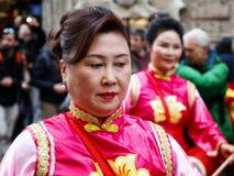Mujer china en vestido tradicional Imagen de archivo