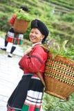 Mujer china sonriente Yao de la minoría Imagen de archivo
