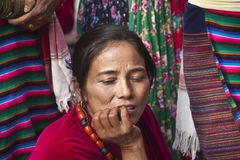 Mujer Chitwan 2013, Nepal de Tharu Imágenes de archivo libres de regalías