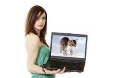 Mujer-Computadora portátil Imagenes de archivo