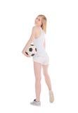 Mujer con el balón de fútbol aislado sobre blanco Foto de archivo