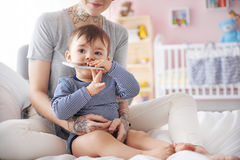 Mujer con el bebé Fotos de archivo libres de regalías