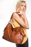 Mujer con el bolso Imagen de archivo libre de regalías
