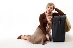 Mujer con el bolso enorme Imagenes de archivo