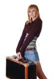 Mujer con el bolso que viaja Imagen de archivo libre de regalías