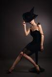 Mujer con el caracol en sombrero. Moda. Gótico Fotos de archivo libres de regalías