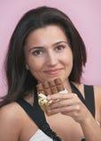 Mujer con el chocolate Fotos de archivo libres de regalías