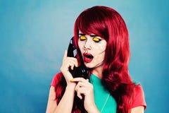 Mujer con el estallido cómico Art Makeup Call Fotos de archivo libres de regalías