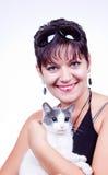 Mujer con el gato Foto de archivo libre de regalías