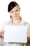 Mujer con el papel Imágenes de archivo libres de regalías