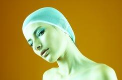 Mujer con el pelo cubierto - tono verde Imágenes de archivo libres de regalías