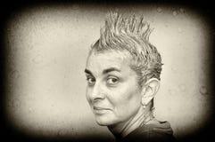 Mujer con el pelo de punta Imagen de archivo libre de regalías