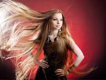 Mujer con el pelo largo Imágenes de archivo libres de regalías