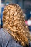 Mujer con el pelo rubio largo Fotografía de archivo libre de regalías