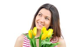 Mujer con el ramo amarillo de los tulipanes de flores Fotos de archivo