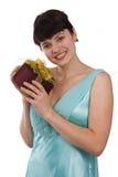 Mujer con el regalo foto de archivo