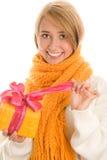 Mujer con el regalo imágenes de archivo libres de regalías