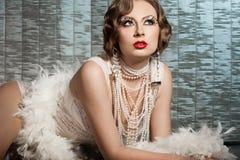 Mujer con el rostro del arte - burlesque Imágenes de archivo libres de regalías