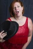 Mujer con el sombrero negro Fotografía de archivo libre de regalías