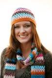 Mujer con el sombrero y la bufanda Fotografía de archivo