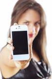 Mujer con el teléfono elegante Imagen de archivo libre de regalías