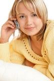 Mujer con el teléfono móvil Imágenes de archivo libres de regalías
