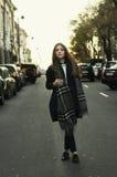Mujer con estilo joven Imágenes de archivo libres de regalías