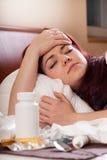Mujer con gripe fuerte Fotografía de archivo libre de regalías