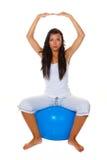 Mujer con la bola del ejercicio Imágenes de archivo libres de regalías