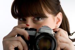 Mujer con la cámara clásica Imágenes de archivo libres de regalías