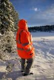 Mujer con la chaqueta del equipo de rescate Imagen de archivo libre de regalías
