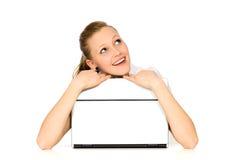Mujer con la computadora portátil Imágenes de archivo libres de regalías