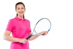 Mujer con la estafa para el tenis y el espacio para la inscripción Imágenes de archivo libres de regalías