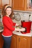 Mujer con la máquina del café Imágenes de archivo libres de regalías