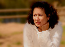 Mujer con la preocupación Imagenes de archivo