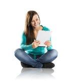 Mujer con la tableta de la PC Fotografía de archivo